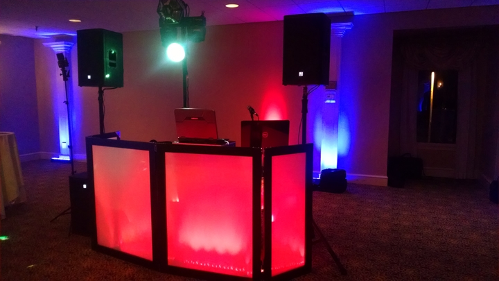Read more about the article Don't Be Afraid of Music Requests at Your Party!